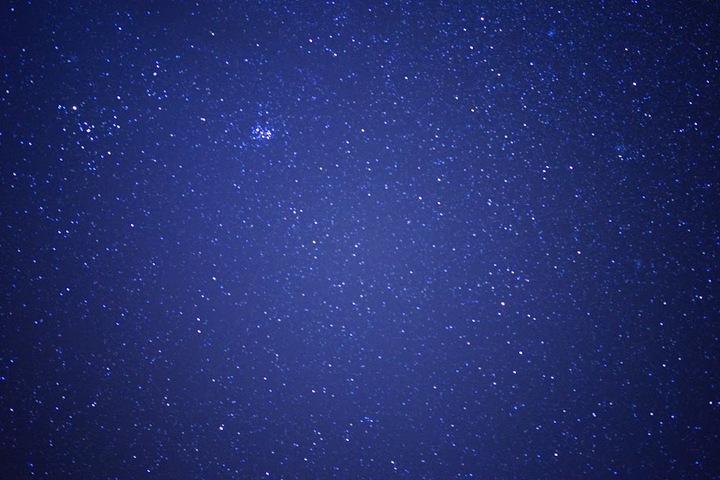 流れ星はもちろん、UFOも見れるかも?!