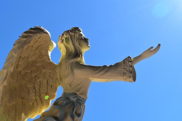 あなたの背中には自由の翼があるのです
