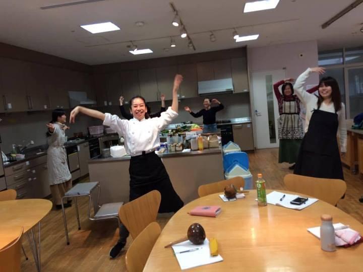 踊る料理講座